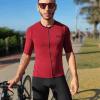 Camisa de ciclismo Camisa Café na Trilha - Bordô, Tecido 100% poliéster com tratamento Xtreme Dry com proteção UV solar fator 50.